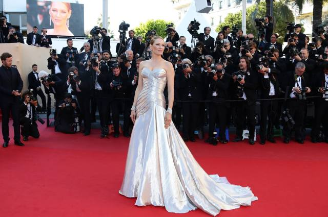 Uma Thurman is a metallic vision in Atelier Versace Cannes 2013