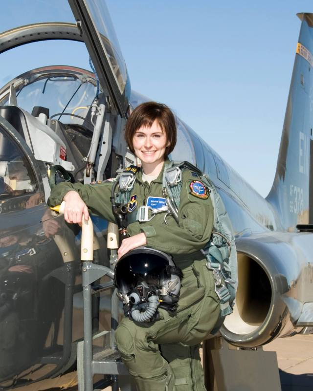 Debon Meister first woman Hurricane Hunter pilot