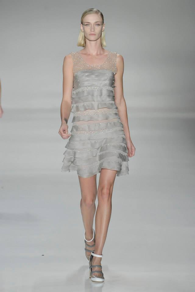 Gloria 3 woman fashion