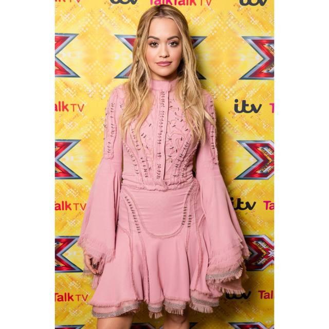 Rita Ora chose a pink silk chiffon Atelier Versace